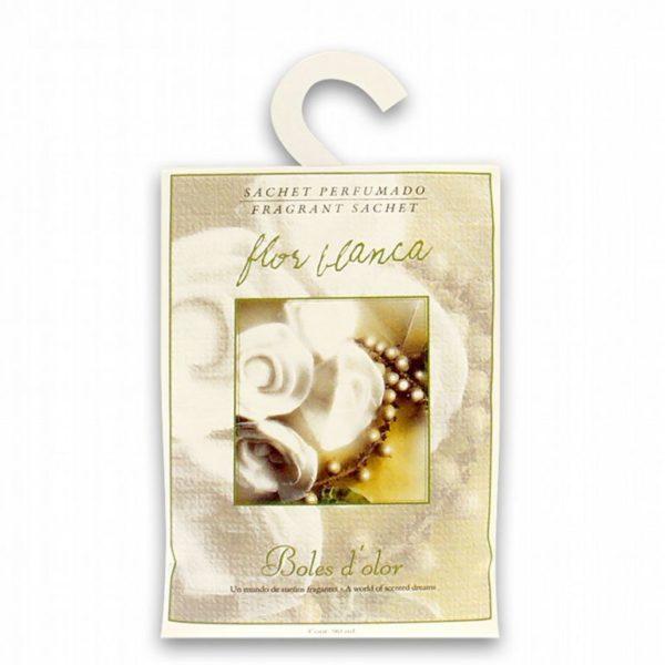 sachet armario flor blanca